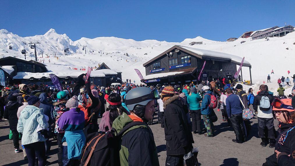 紐西蘭雪場打工排隊人潮