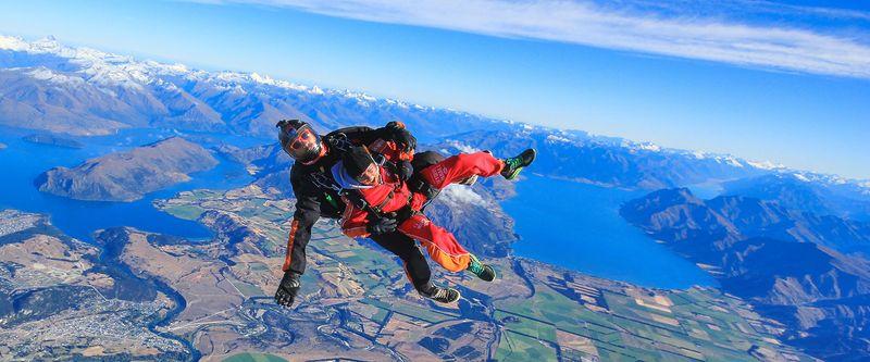 瓦納卡高空跳傘